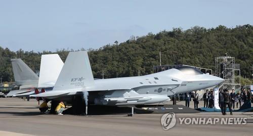 KF-X自产五代机模型首次对外公开 韩联社