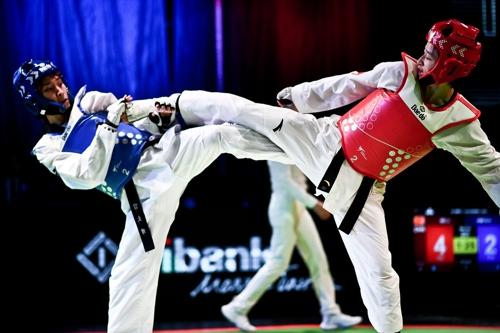 韩国选手金昭熙获世界跆拳道大奖赛亚军