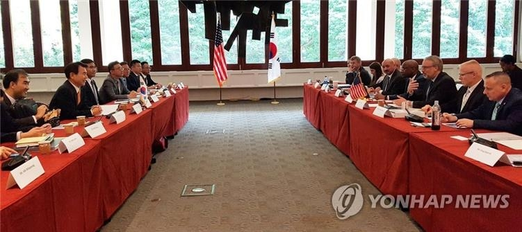 资料图片:当地时间10月23日,在美国夏威夷檀香山,韩美为签署第11份防卫费分担特别协定举行第二轮谈判。 韩联社/外交部供图(图片严禁转载复制)