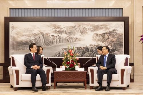 韩京畿道知事李在明访渝会见唐良智