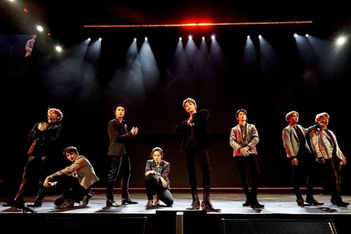 """NCT127出演""""POPTOPIA""""演唱会。 韩联社/SM娱乐供图(图片严禁转载复制)"""