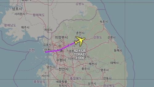 美军主力侦察机飞临半岛监视朝鲜动向