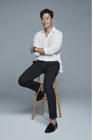 演员李瑞镇捐款60万加入高额捐助者俱乐部
