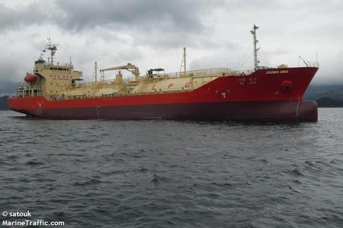 韩国人掌舵两艘船舶在印尼被扣
