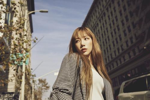 泰妍正规二辑重装版登顶24个国家和地区iTunes榜