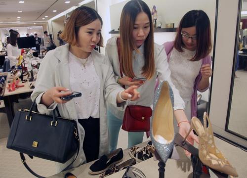韩国新世界百货店中国顾客购买额剧增