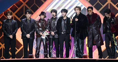 泰妍和防弹少年团获第29届首尔歌谣大赏最高奖