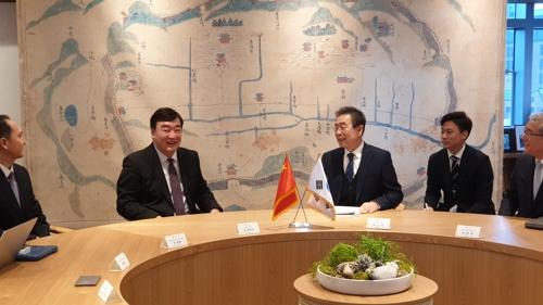 首尔市长朴元淳会见中国驻韩大使邢海明
