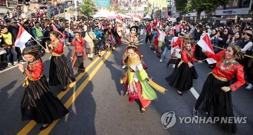 在韩居留外国人首破250万 同比增6.6%