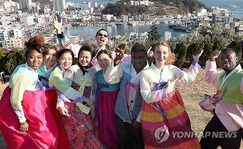 韩宣网第9期记者团启动 2000余名外国人参与