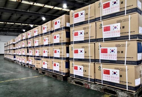 3月23日,中国政府提供的100万个口罩运抵韩国。 中国驻韩大使馆供图(图片严禁转载复制)