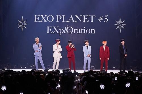 EXO将推去年演唱会现场照片集和实况专辑