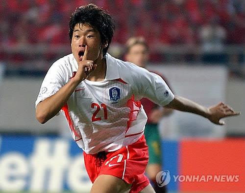 """韩球星朴智星获评亚足联""""世界杯亚洲英雄"""""""