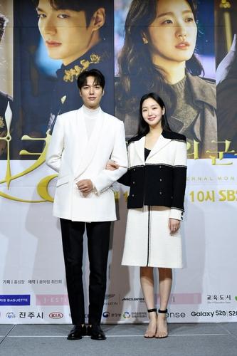 李敏镐(左)和金高银 SBS电视台供图(图片严禁转载复制)