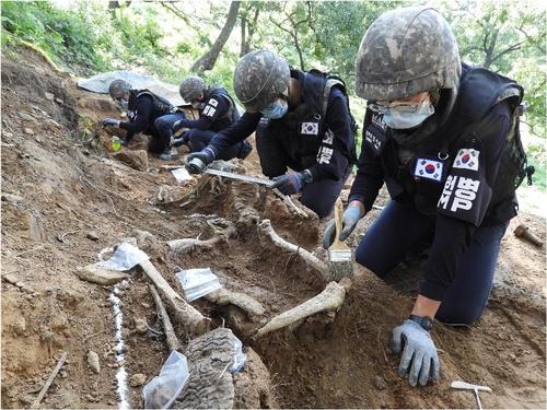 韩军明重启非军事区韩战士兵遗骸发掘工作
