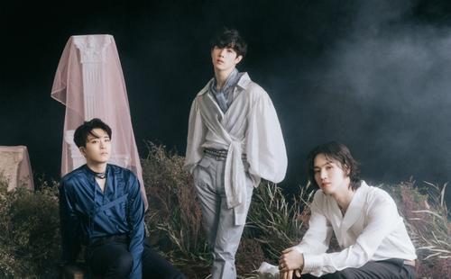 GOT7成员荣宰(左起)、Mark和JB 韩联社/JYP娱乐供图(图片严禁转载复制)