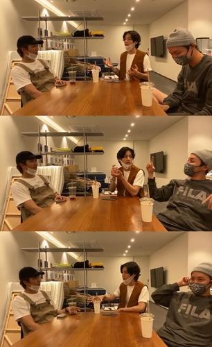 资料图片:防弹少年团线上公开新专辑的形象会议过程。 韩联社/Big Hit娱乐供图(图片严禁转载复制)