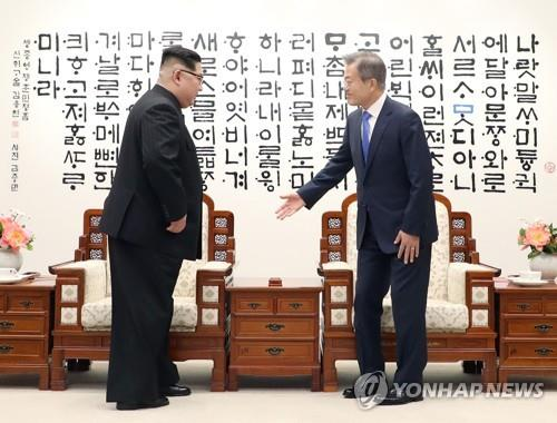 韩前幕僚长披露文金会和金特会花絮