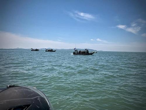 韩海军与联合国军司令部在汉江入海口举行联合训练