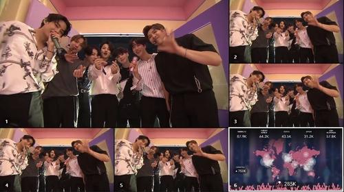 演出后,防弹少年团与粉丝们告别。 韩联社/Big Hit娱乐供图(图片严禁转载复制)
