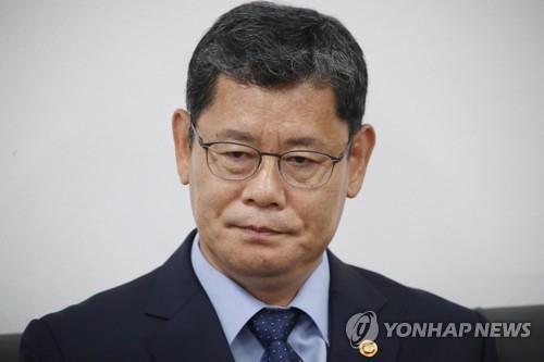 简讯:韩统一部长请辞 称为韩朝关系恶化担责