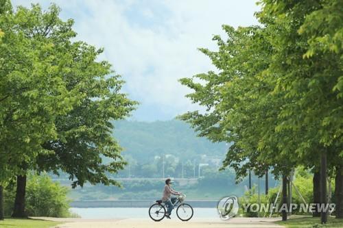 调查:首尔市民业余爱自娱自乐尝美食享养生