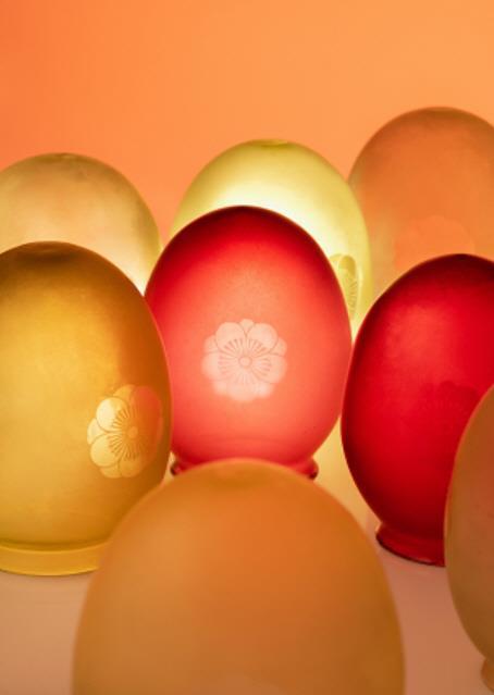 资料图片:梨花纹玻璃灯罩 国立古宫博物馆供图(图片严禁转载复制)