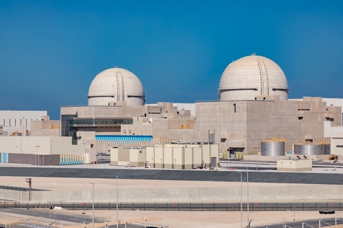 韩国承建阿联核电站首供电成功