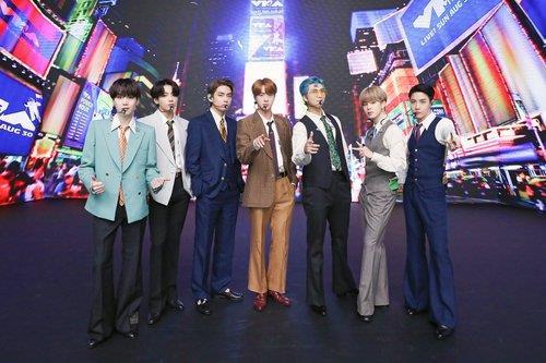 韩外长祝贺防弹新歌连续两周登顶公告牌单曲榜