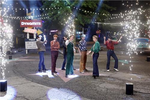 防弹为《美国达人秀》献上表演舞台。 Big Hit娱乐供图(图片严禁转载复制)