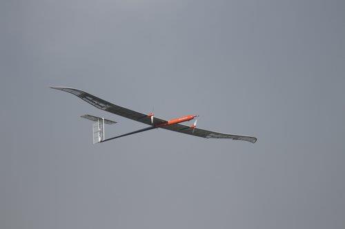LG化学公司9月10日宣布在韩国首次搭载新一代锂硫电池的无人机实现最高高度飞行。 LG化学供图(图片严禁转载复制)