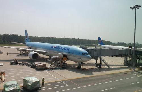 沈阳机场的大韩航空客机 韩联社