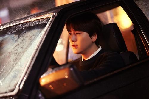 圭贤本周发布每季一歌项目新歌《Daystar》
