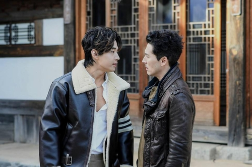 Henry将出演韩美合作剧《Drama World 2》