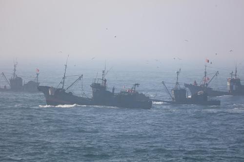 韩海警将加大西部海域非法捕捞渔船打击力度