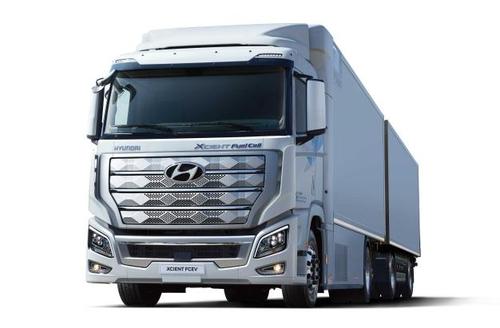 资料图片:现代氢燃料电池卡车XCIENT 韩联社/现代汽车供图(图片严禁转载复制)