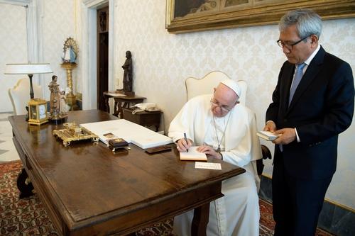 教皇方济各重申有意访朝推动半岛和平