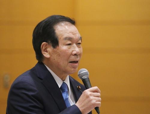11月12日,日本自民党众议院议员额贺福志郎在东京出席韩日两国议员联盟干事会。 韩联社