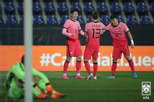 韩国男足与墨西哥举办热身赛不敌对手
