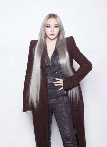 CL新专辑《ALPHA》发售延至明年