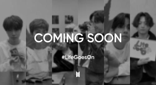 """防弹少年团在抖音上发起的""""#LifeGoesOn""""挑战话题宣传图 Big Hit娱乐供图(图片严禁转载复制)"""