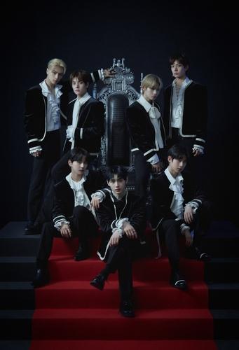 新团ENHYPEN出道专辑登顶公信榜日榜