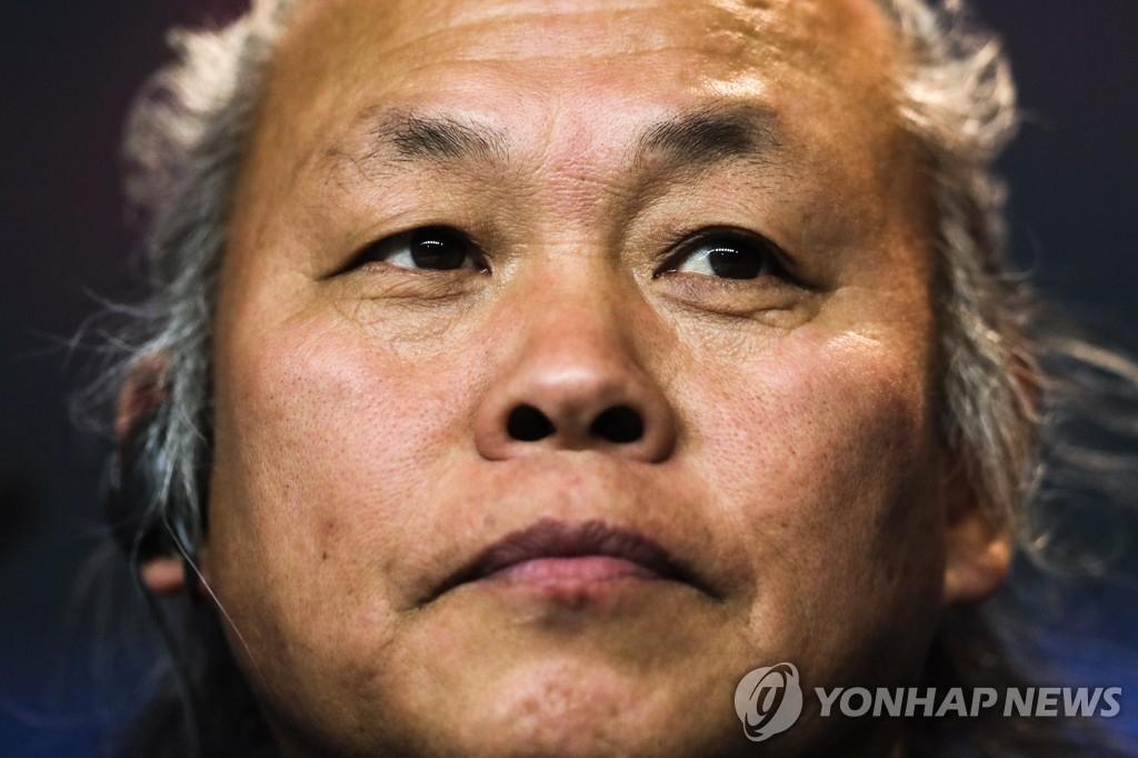 韩已故导演金基德遗体或在拉脱维亚火化