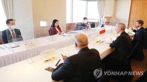 韩法贸易高官共商抗疫和经贸合作方案