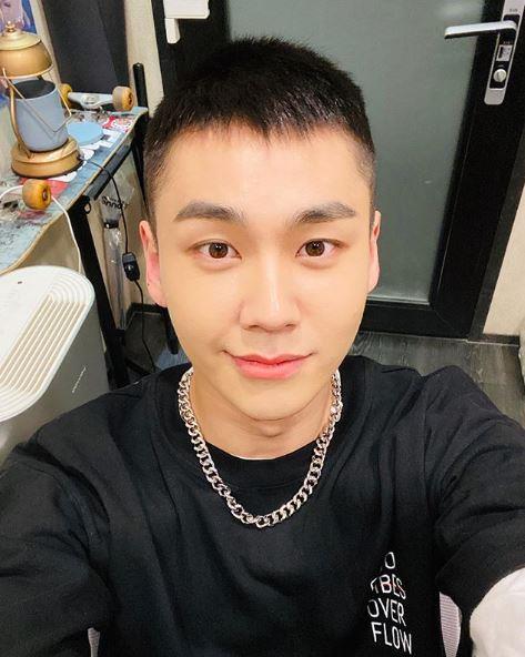 男团BTOB成员郑镒勋因涉毒退团