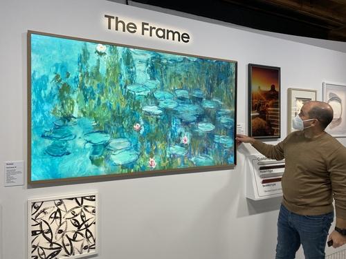 三星The Frame画框电视 韩联社