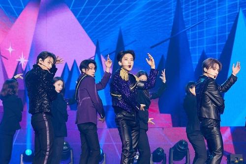 资料图片:SEVENTEEN 韩联社/经纪公司Pledis娱乐供图(图片严禁转载复制)