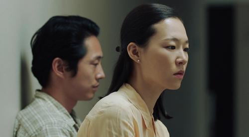 韩艺利凭《米纳里》获颁Gold List奖最佳女主