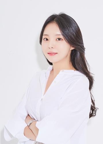 防弹j-hope姐姐郑智友与CUBE娱乐签专属合同