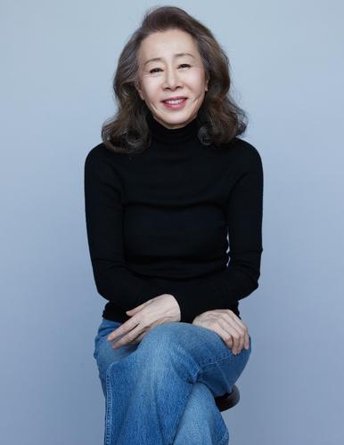 尹汝贞赴美出席奥斯卡颁奖典礼